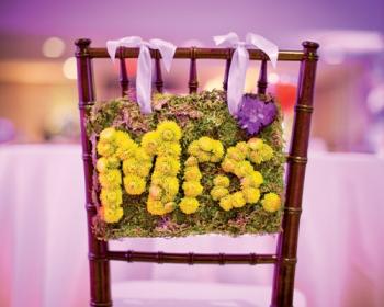 cartel-silla-novios-flores