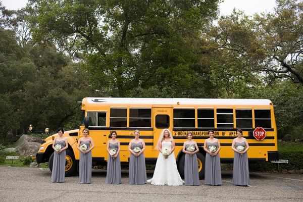 transporte-novios-bus-escolar