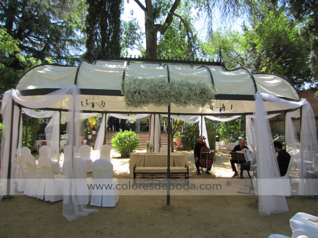 ceremonia-pergola-tul-2-coloresdeboda