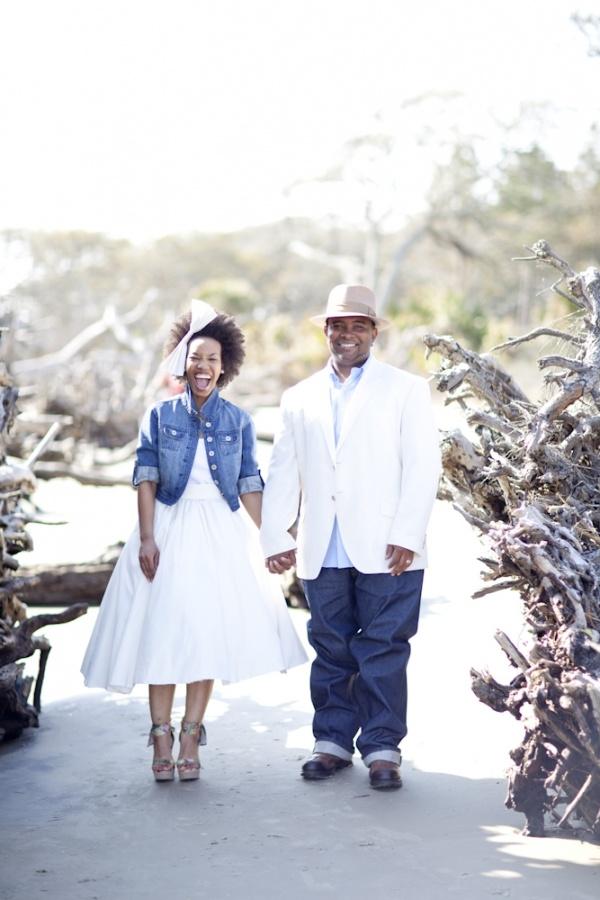 novias con chaquetas vaqueras – colores de boda