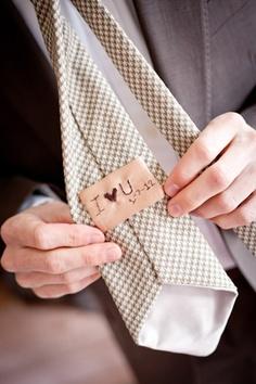detalles-bordados-trajes-novios