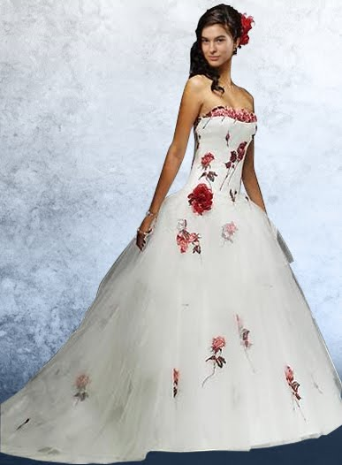 Detalles de color en los vestidos de novia