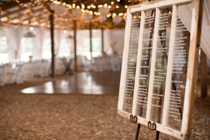 Coral-and-Sage-Green-Florida-Barn-Wedding_0036