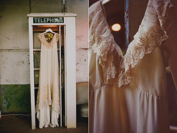 colores-de-boda-vestido-vintage-colgado