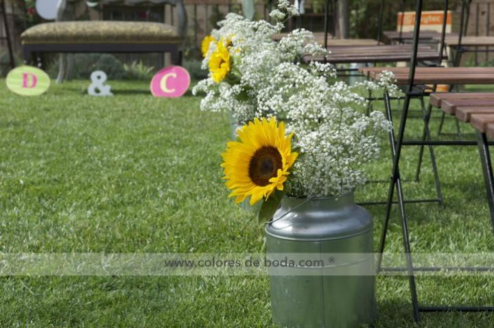 colores-de-boda-pasillo-nupcial-lecheras-girasoles