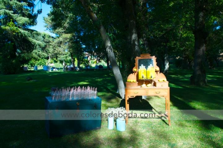 puesto-limonada-vintage-tocador-antiguo-colores-de-boda
