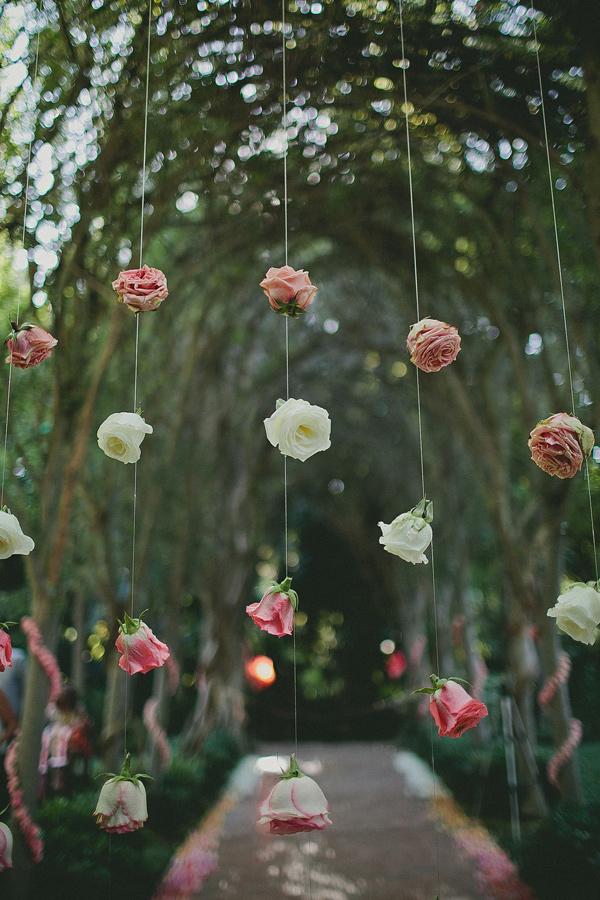 colores-de-boda-flores-suspendidas