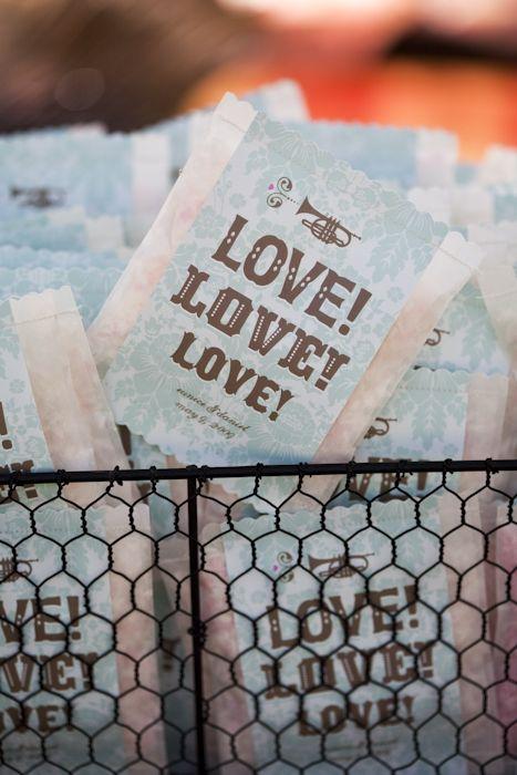 colores-de-boda-lanzar-novios-confetti-10