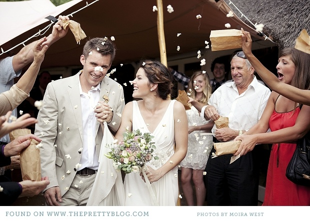 colores-de-boda-lanzar-palomitas-novios-10