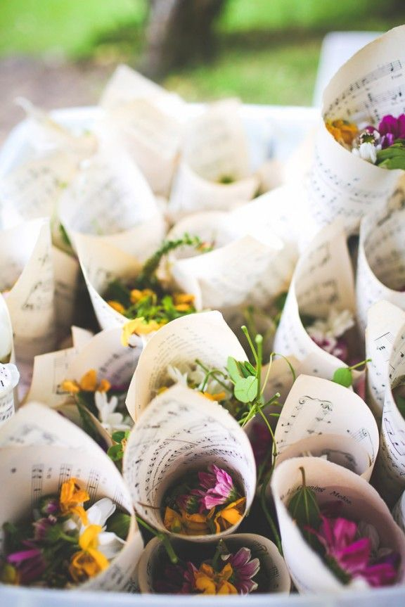colores-de-boda-salida-novios-flores-secas--9