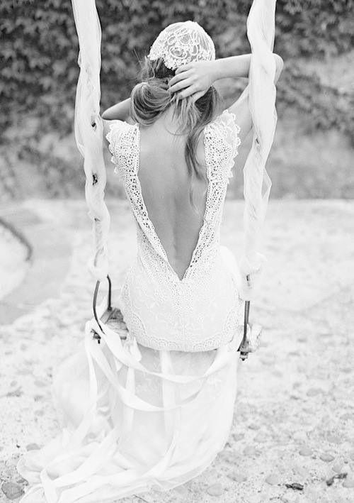colores-de-boda-vestido-novia-espalda-aire-1