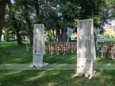 1-colores-de-boda-ceremonia-puertas-lamparas-cortinas-8