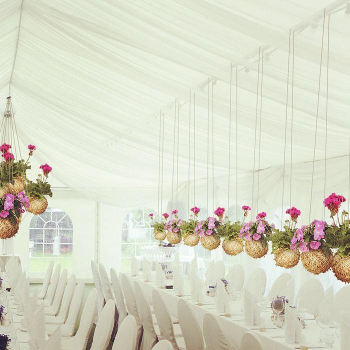 colores-de-boda-arreglos-florales-suspendidos-1