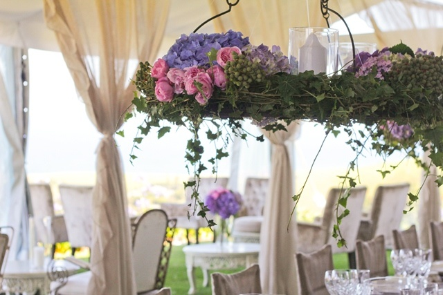colores-de-boda-arreglos-florales-suspendidos-4