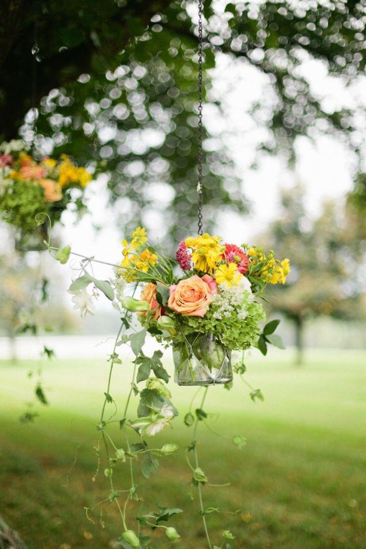colores-de-boda-arreglos-florales-suspendidos-7