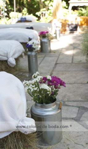 colores-de-boda-lecheras-pasillo-nupcial