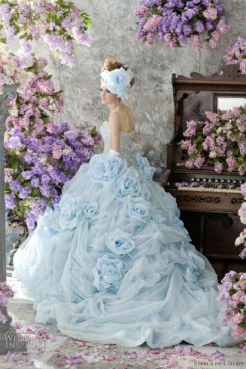 colores-de-boda-vestido-novia-azul-bebe-4