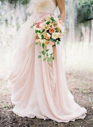 colores-de-boda-vestido-novia-rosa-1