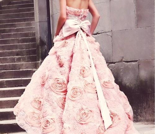 colores-de-boda-vestido-novia-rosa-3