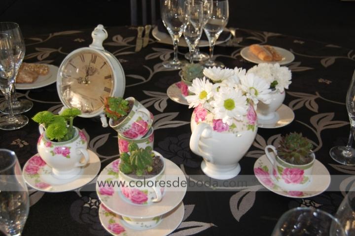 colores-de-boda-tetera-centro-mesa