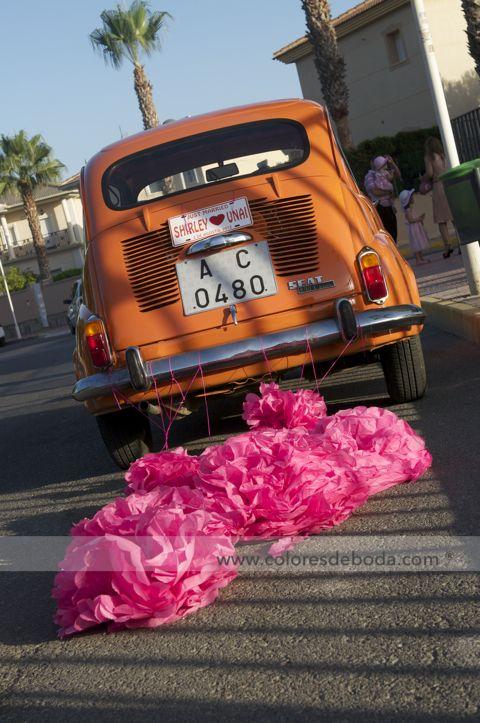 colores-de-boda-coche-novios-10