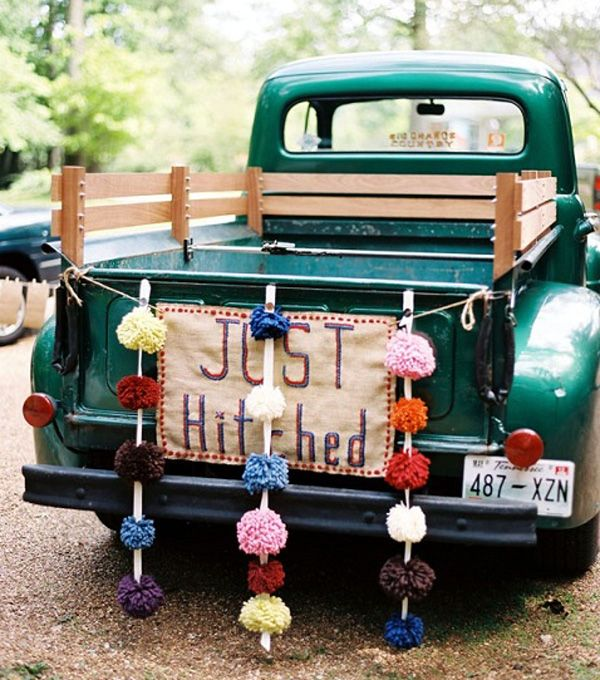 colores-de-boda-coche-novios-4