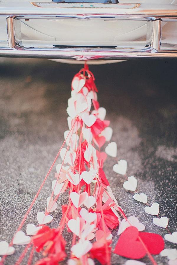colores-de-boda-coche-novios-6