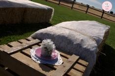 colores-de-boda-ceremonia-civil-heno-caja-fruta-encaje