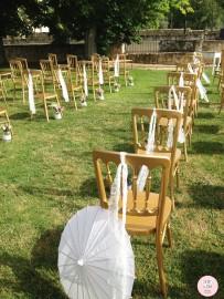 colores-de-boda-detalle-ceremonia-civil-encaje-flores-pasillo