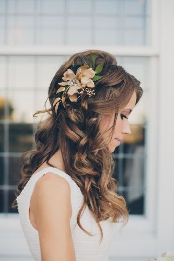 colores-de-boda-peinados-novia-suelto-10
