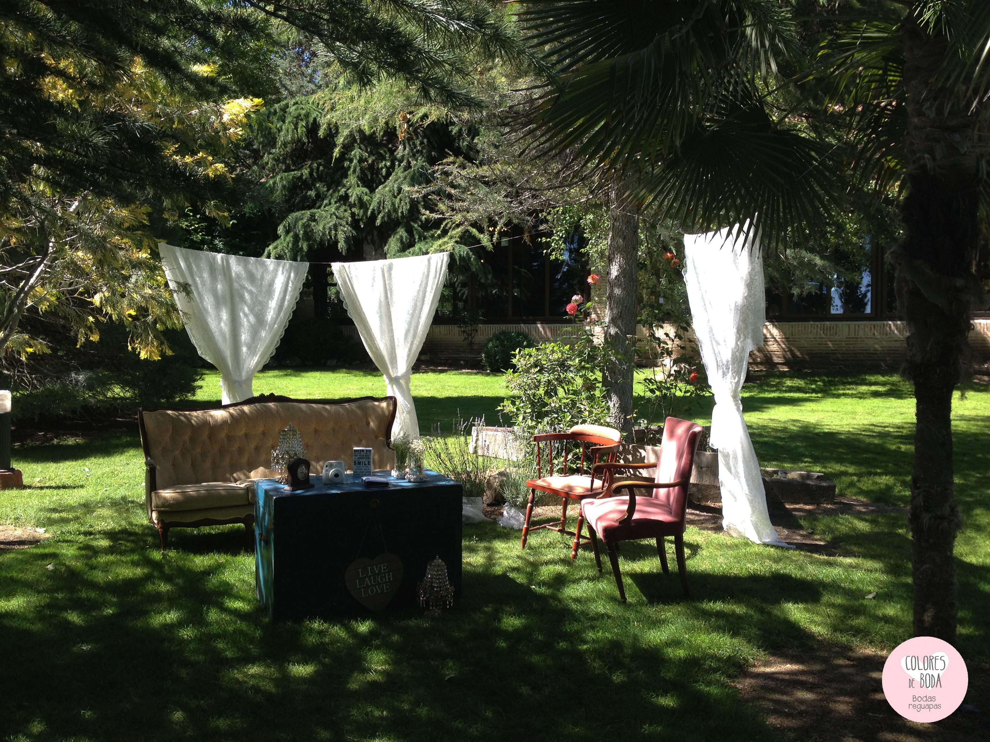 Colores de boda photoboth sillones cortinas vintage chiara for Cortinas vintage