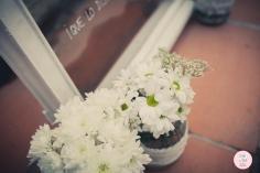colores-de-boda-ventana-coctel-flores