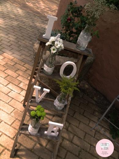 colores-de-boda-escalera-flores-love-rincon-bienvenida-chiara-manuel
