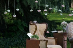 Colores-de-boda-photobooth-claveles-suspendidos-sillones-laura-y-raul_0141