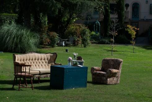 Colores-de-boda-rincon-sillones-sofas-antiguos-laura-y-raul_0150