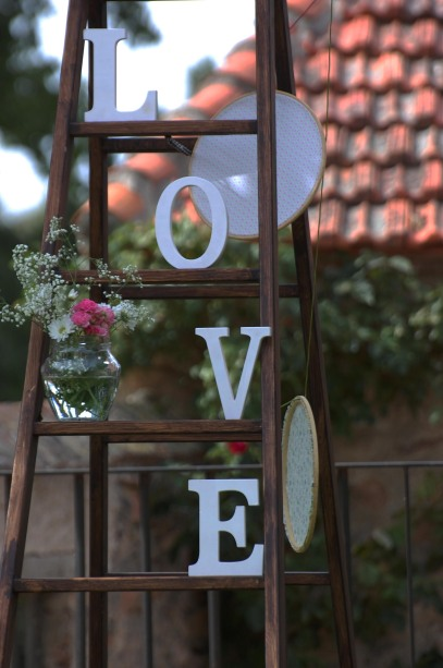 colores-de-boda-24-escalera-love-ceremonia