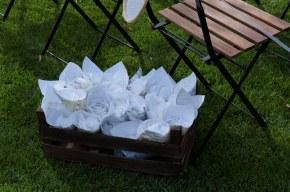 colores-de-boda-27-cajas-conos-petalos-ceremonia