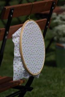 colores-de-boda-30-sillas-bastidores-ceremonia