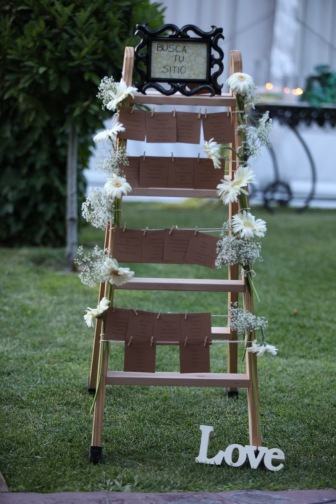 colores-de-boda-49-seating-escalera-kraft-gerberas