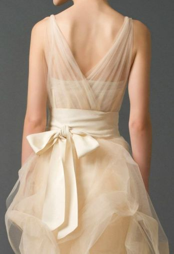 colores-de-boda-vestido-novia-lazo-espalda-10