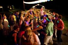 colores-de-boda-collares-fluorescentes
