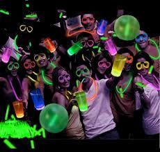 colores-de-boda-pulseras-fluorescentes