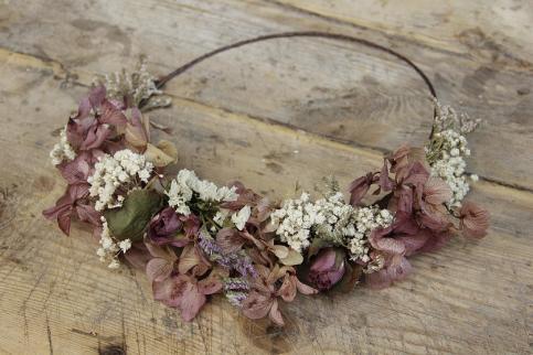colores-de-boda-corona-flores-novias-boho-sweetboheme-2