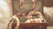 colores-de-boda-corona-flores-novias-boho-sweetboheme