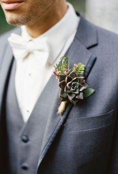colores-de-boda-suculenta-prendido-novio