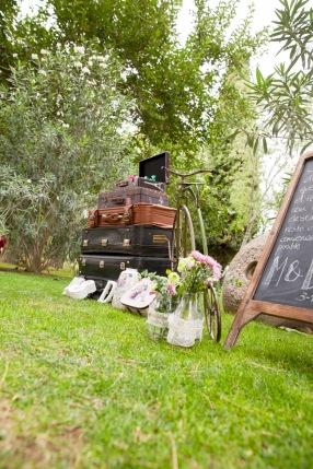 colores-de-boda-organización-bodas-017-rincon-bienvenida-maletas