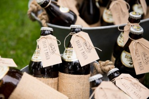 colores-de-boda-organización-bodas-123-rincon-regalos-cerveza-etiquetas