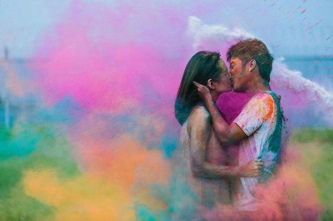 colores-de-boda-sesion-fotos-polvos-holi-2