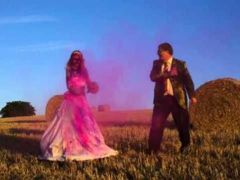 colores-de-boda-sesion-fotos-polvos-holi-3
