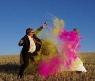 colores-de-boda-sesion-fotos-polvos-holi-8